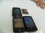 Foto tegak tampilan home kami. Nah ini handset berbeda2 vendor dan tipenya, yg 1 putih sendiri dgn OS Eclair, laennya froyo semua. Yg Acer tsb skg sudah pindah tangan dan orangnya ganti Desire HD