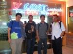 Dari kiri ke kanan: Saya, Chrisna Adi, Luqman Hakim (Kepala Suku Android Indonesia) dan Kris (Cibie Black)